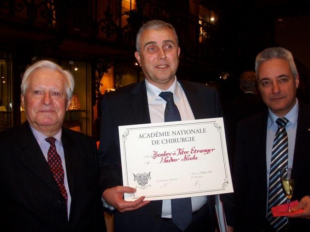 На 23 януари 2013 г. проф. Владов бе избран за почетен член на Френската академия по хирургия.